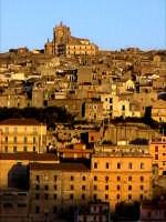 Panorama di Modica Alta con la Chiesa di San Giovanni Battista  - Modica (5499 clic)