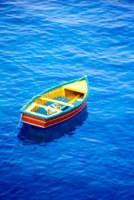 Barca in mezzo al mare  - Aci castello (9532 clic)