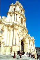 Duomo di San Giorgio - entra la sposa MODICA Giambattista Scivoletto