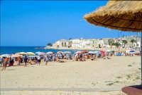 La spiaggia e il piccolo borgo di pescatori  - Sampieri (3263 clic)