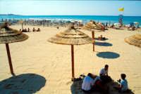 La spiaggia e il piccolo borgo di pescatori  - Sampieri (1840 clic)