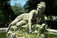 Fontana nel parco del Castello  - Erice (1420 clic)
