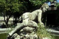 Fontana nel parco del Castello  - Erice (1207 clic)