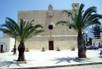 santuario di san vito lo capo situata nel cuore del paese - chiesa madre  - San vito lo capo (4966 clic)