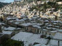27 gennaio 2005 - Modica si sveglia sotto la neve   - Modica (5114 clic)