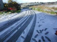 27 gennaio 2005 - Modica si sveglia sotto la neve - Strada innevata  - Modica (4423 clic)