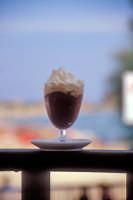 Granita siciliana di gelsi con panna  - Modica (5388 clic)