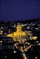 Modica al tramonto. San Giorgio e la spettacolare scalinata  - Modica (2242 clic)