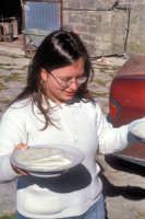 Preparazione della ricotta in una masseria tipica del modicano  - Modica (3264 clic)
