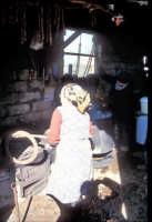 Preparazione della ricotta in una masseria tipica del modicano  - Modica (2986 clic)