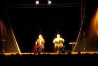 Ficarra e Picone - performance a Marina di Modica - Agosto 2003  - Marina di modica (2523 clic)