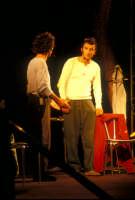 Ficarra e Picone - performance a Marina di Modica - Agosto 2003  - Marina di modica (2292 clic)