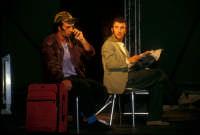 Ficarra e Picone - performance a Marina di Modica - Agosto 2003  - Marina di modica (2322 clic)