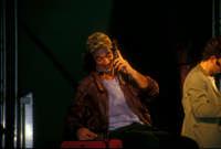 Ficarra e Picone - performance a Marina di Modica - Agosto 2003  - Marina di modica (1993 clic)