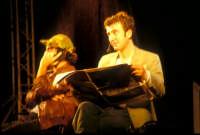 Ficarra e Picone - performance a Marina di Modica - Agosto 2003  - Marina di modica (1716 clic)