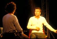 Ficarra e Picone - performance a Marina di Modica - Aogosto 2003  - Marina di modica (1867 clic)