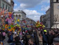 i carri di carnevale in Piazza Duomo  - Acireale (2206 clic)