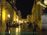 Via Minerva - notturno  - Siracusa (1591 clic)