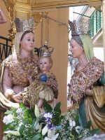 FESTA DI S.ANNA Trittico con Maria S.S. Gesý bambino e S.Anna patrona di Floresta primo piano  - Floresta (6948 clic)
