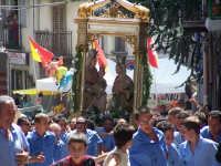 FESTA DI S.ANNA 26 luglio ore 16,00 nonostante 6 ore di processione il rintro in chiesa di corsa  - Floresta (5385 clic)