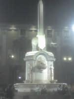Catania, Piazza Università statua del liotru (it. elefante).Centro di raduno notturno dei giovani catanesi.  - Catania (3311 clic)