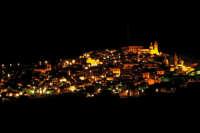 Caltagirone, panorama notturno  - Caltagirone (6091 clic)