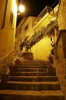 scalinata della tonnara a trappeto by night (giugno 2006)  - Trappeto (5219 clic)