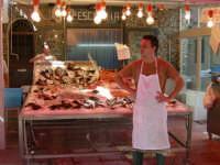 scorcio ,del popolare mercato del borgo vecchio, conuna delle pescherie storiche che mette in mostra