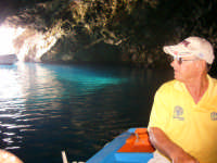 visita alla grotta azzurra guidati dal simpatico barcaiolo michele visita alla grotta azzurra guidati dal simpatico barcaiolo michele  - Ustica (2900 clic)