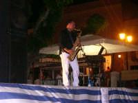 sera d'estate con sassofonista sera d'estate con sassofonista  - Ustica (3566 clic)