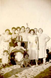 GIORNATA AL MARE 1953 GIORNATA AL MARE 1953  - Isola delle femmine (3048 clic)