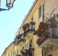 balconi fioriti balconi fioriti  - Taormina (4265 clic)