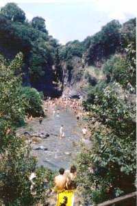 ingresso alle gole dell'alcantara 15 ago 1988 (6817 clic)