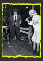 Una scena del film il tempo che fù!Film di coproduzione Italo-americana anni 70.Le riprese,in bianco e nero, furono girate a Rosolini(SR).Nella foto i due attori protagonisti del film: Knarf Ozzaratam e  Uddirut Opul  - Rosolini (2908 clic)