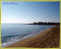 AVOLA:passeggiando in riva al mare settembrino  - Avola (1827 clic)