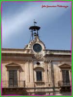 ROSOLINI-Piazza Garibaldi: Orologio  - Rosolini (2326 clic)