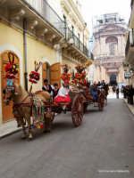 FESTA DI SAN GIUSEPPE:SFILATA DI CARRETTI SICILIANI  - Rosolini (10281 clic)