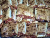 Invito a cena. Specialità rusalinari:scacce  - Rosolini (4770 clic)