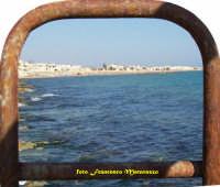 CARTELLONE PUBBLICITARIO:bianco,azzurro e blu...mare  - Donnalucata (2201 clic)