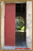 PASSEGGIANDO PER ERICE:bellezze socchiuse  - Erice (1436 clic)