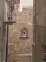 VIUZZA CON IMMAGINE SACRA  - Caltagirone (2455 clic)