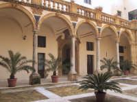 L'atrio del Seminario Vescovile di Mazara del Vallo  - Mazara del vallo (4611 clic)