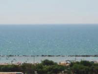 Il mare di Agrigento sotto il sole di una calda estate.  - Agrigento (3053 clic)
