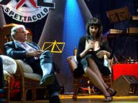 Il Sindato Antonino Sidoti con Kay Rush che presenta a Montagnareale il suo romanzo IL SEME DEL DESIDERIO.  - Montagnareale (2431 clic)