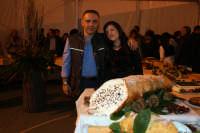34° Sagra della Castagna 2008 - Il concorso dei Dolci - In primo piano un Cannolo da kg.25.  - Montagnareale (2269 clic)
