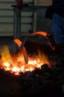 32° Sagra della Castagna - l'arte del ferro battuto. Particolare lavorazione di una cintura in ferro battuto.  - Montagnareale (2252 clic)
