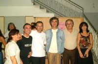 Gaetano Curreri degli STADIO dopo il concerto a Montagnareale con il Vice Sindaco Calogero Cipriano e l'Ass. Salvatore Sidoti  - Montagnareale (3777 clic)