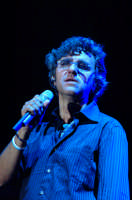 Gaetano Curreri degli STADIO durante il concerto a Montagnareale ESTATE AGOSTO 2006  - Montagnareale (2525 clic)