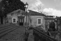Piazzetta della chiesa di S. Nicola di Trecastagni  - Trecastagni (2001 clic)