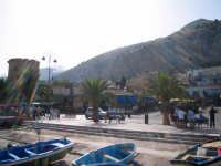 Veduta verso la piazza dal molo di Mondello.  - Mondello (2680 clic)